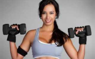 Упражнения для груди с гантелями: быть красивой просто