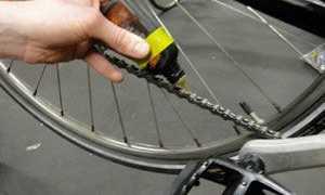 Какой смазкой смазать велосипедную цепь. Смазка для цепи велосипеда – правильный подбор и применение